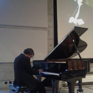 Daniele Barbato sotto l'austero sguardo di Bach